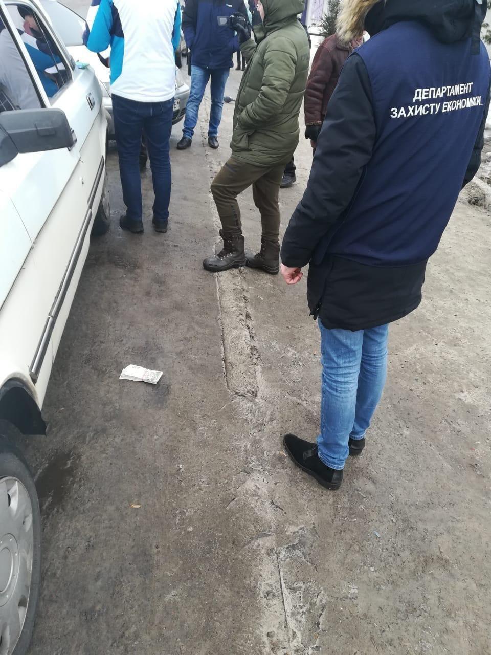 На Сумщине на вымогательстве и получении более 70 тыс грн попался директор коммунального предприятия, фото-1