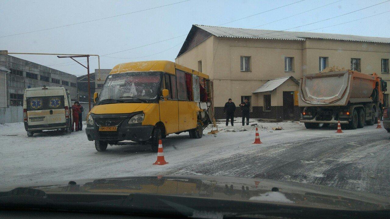 В Сумах в ДТП с участием маршрутки пострадали пассажиры, фото-3