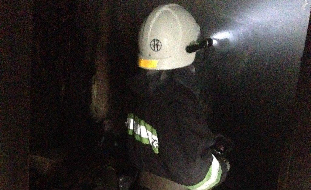 В Конотопе в пожаре сгорели мужчина и две девушки, фото-2