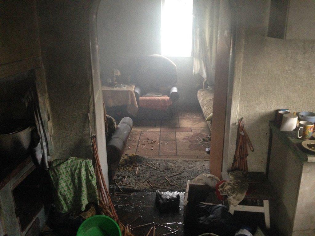 В Конотопе в пожаре сгорели мужчина и две девушки, фото-1
