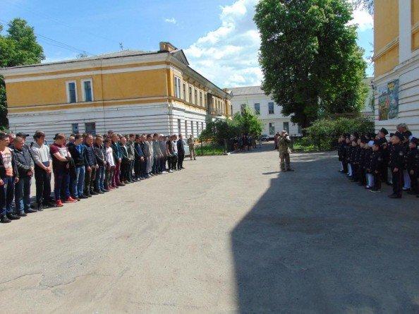 Около 70 призывников из Сум отправились служить в ряды украинской армии, фото-2