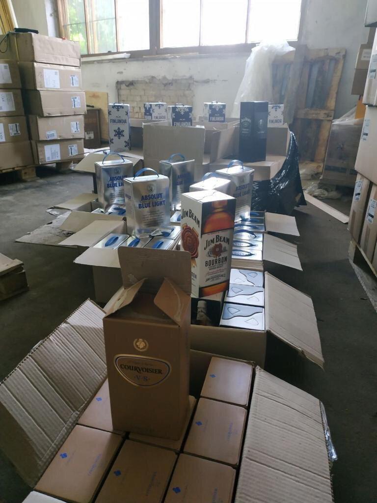 Под Киевом выявили подпольный цех по изготовлению алкогольных напитков, которые сбывались в частности и на Сумщине, фото-2