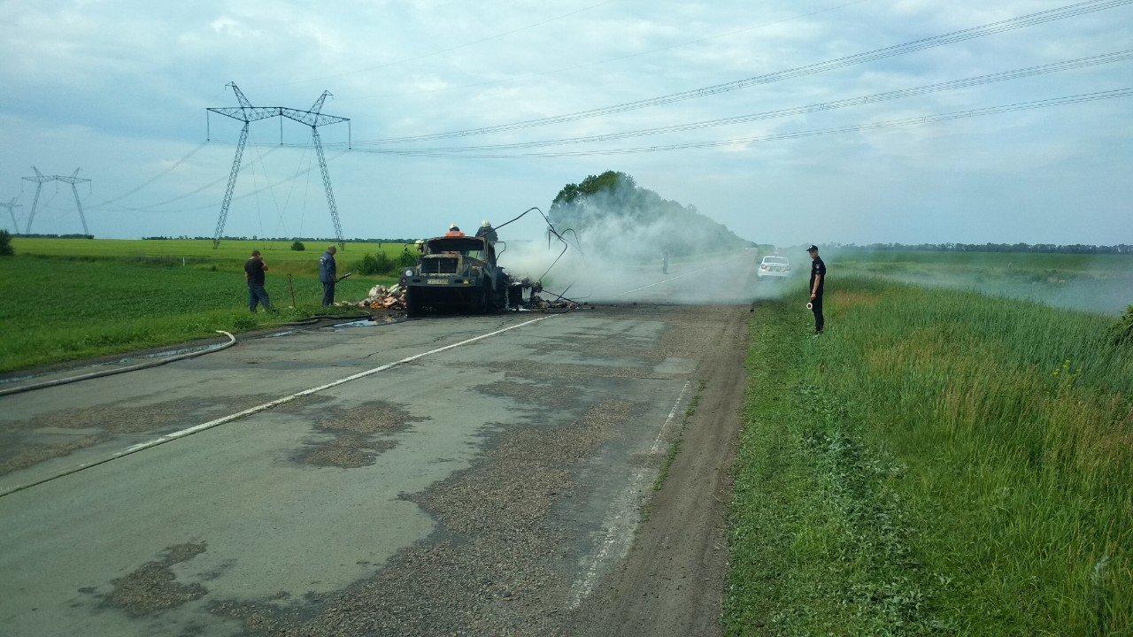 У Сумському районі вогнеборці ліквідували загоряння вантажного автомобіля, фото-1