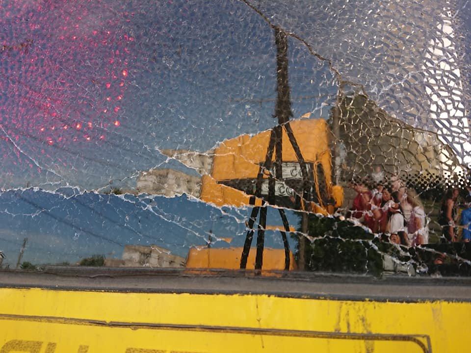 У Сумах вантажівка зіткнулася із тролейбусом, фото-3