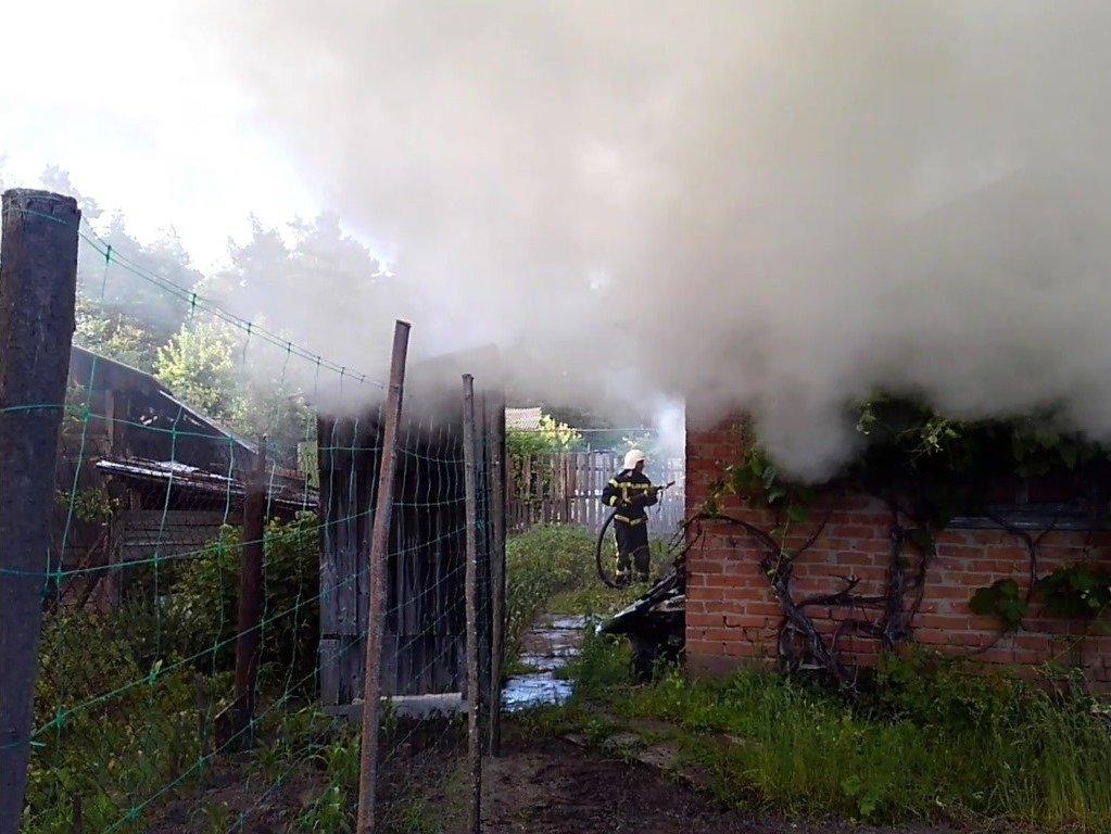 У Сумській області сталася масштабна пожежа в житловому секторі, фото-3
