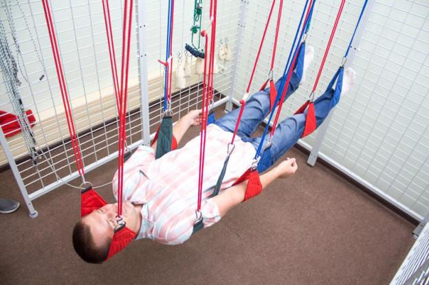 У Сумах для реабілітації хворих використовують універсальні кабіни для підвісної терапії, фото-1