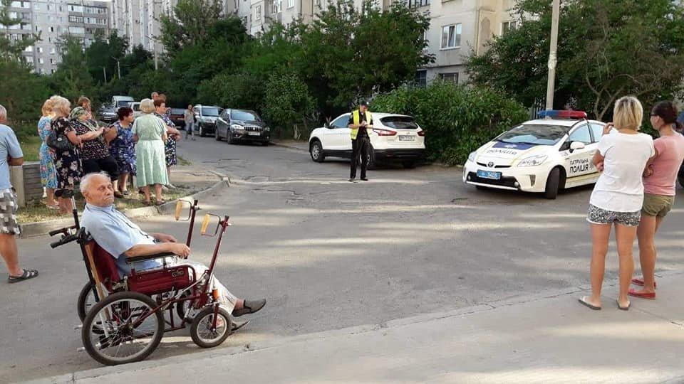 У Сумах жителі будинку 7 на Лушпи перекрили дорогу, фото-2