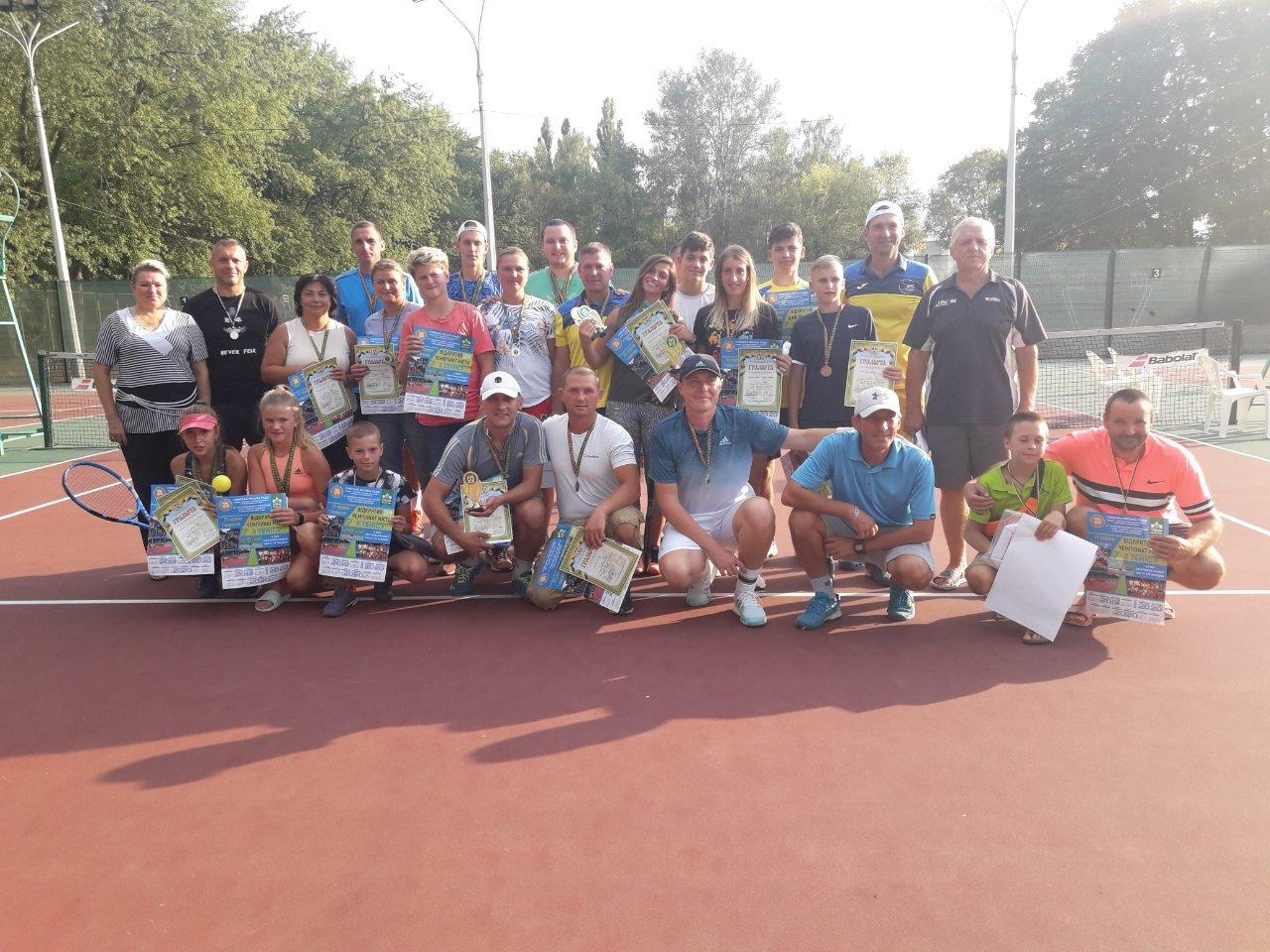 До Дня міста у Сумах провели відкритий чемпіонат з тенісу, фото-5