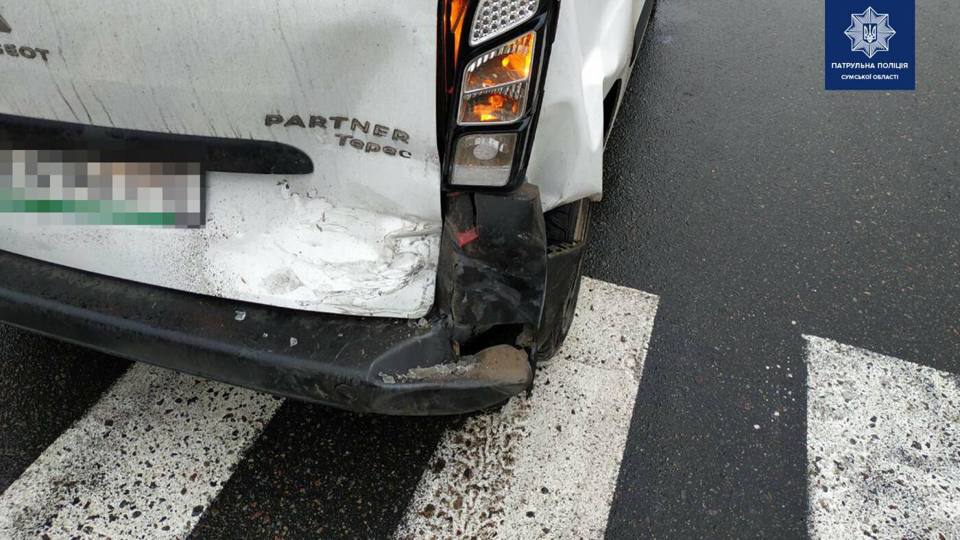 Внаслідок зіткнення двох автомобілів у Сумах травмована жінка-водій, фото-2