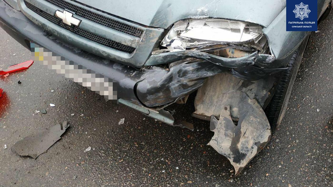 Внаслідок зіткнення двох автомобілів у Сумах травмована жінка-водій, фото-3