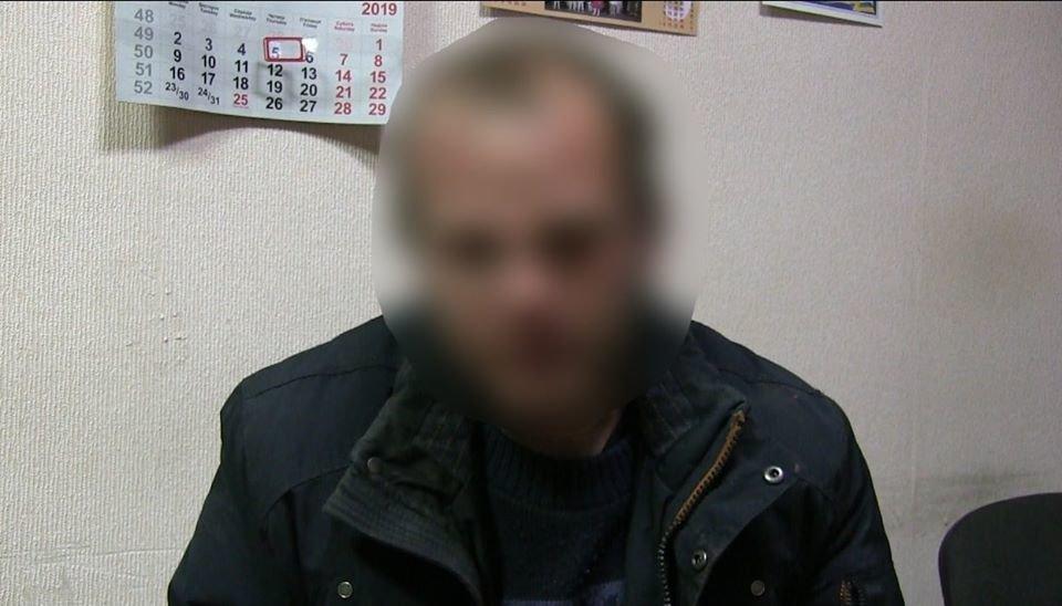 На Сумщині поліцейські оголосили підозру трьом приятелям за скоєння розбійного нападу на таксиста , фото-2
