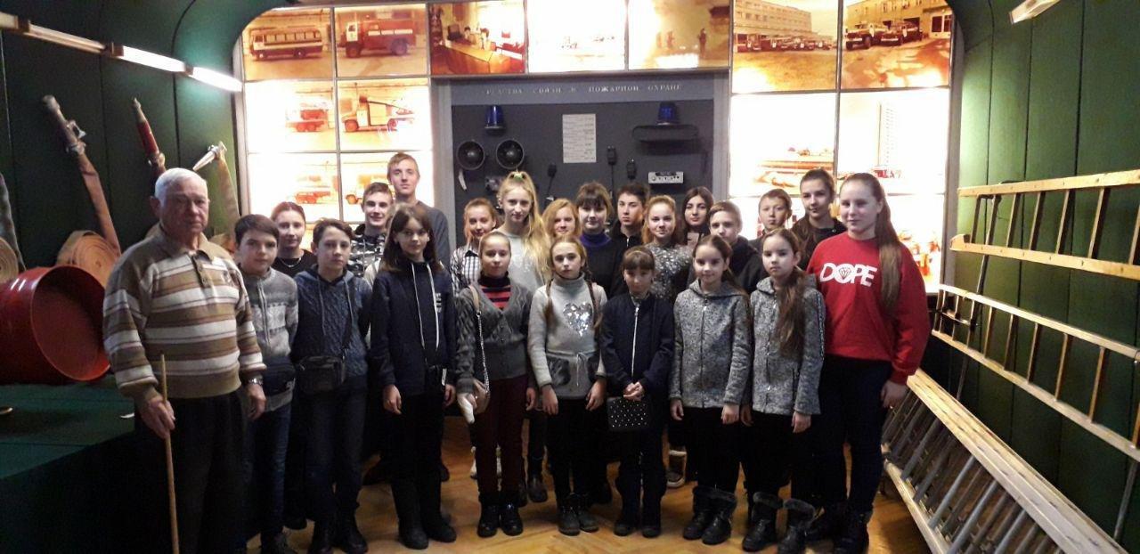 У Сумах школярі завітали до музею рятувальної служби Сумщини , фото-2