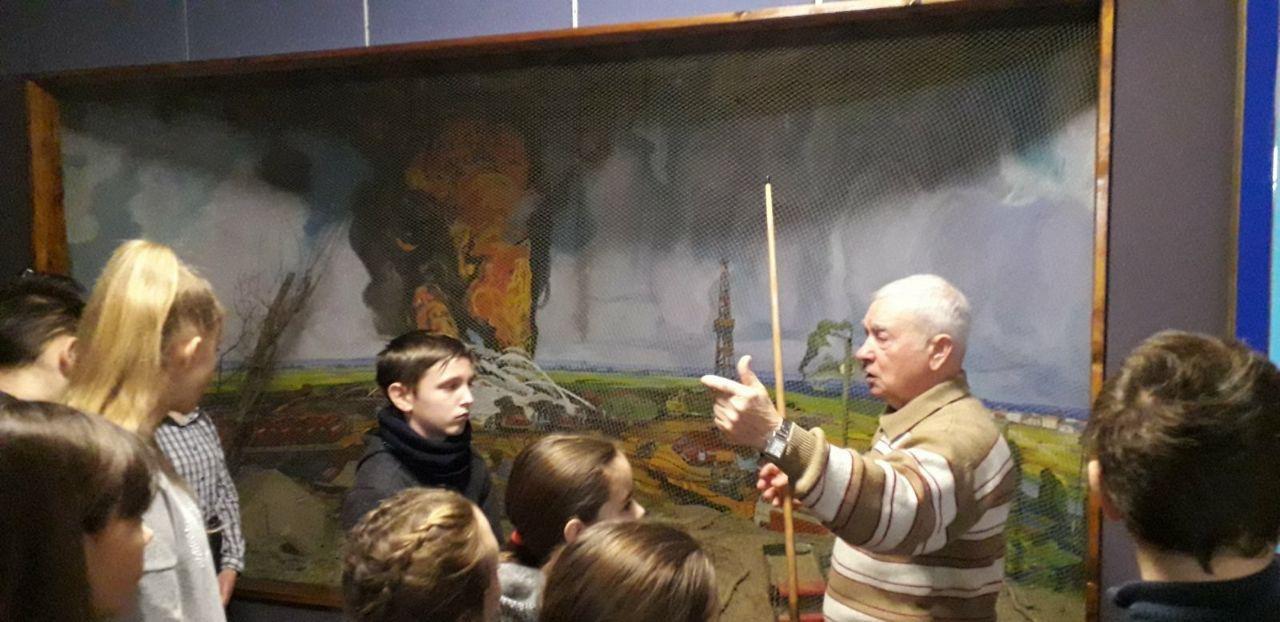 У Сумах школярі завітали до музею рятувальної служби Сумщини , фото-4