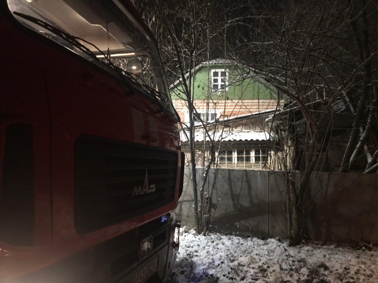 На Сумщині приборкуючи пожежі, вогнеборці врятували два житлових будинки , фото-3