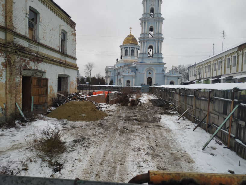 У Сумах будівництво навпроти Спасо-Преображенскького собору планують законно ліквідувати?, фото-1