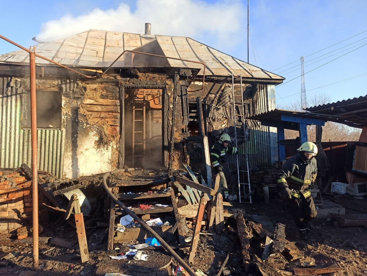 На Сумщині рятувальники ліквідували загоряння житлового будинку , фото-1
