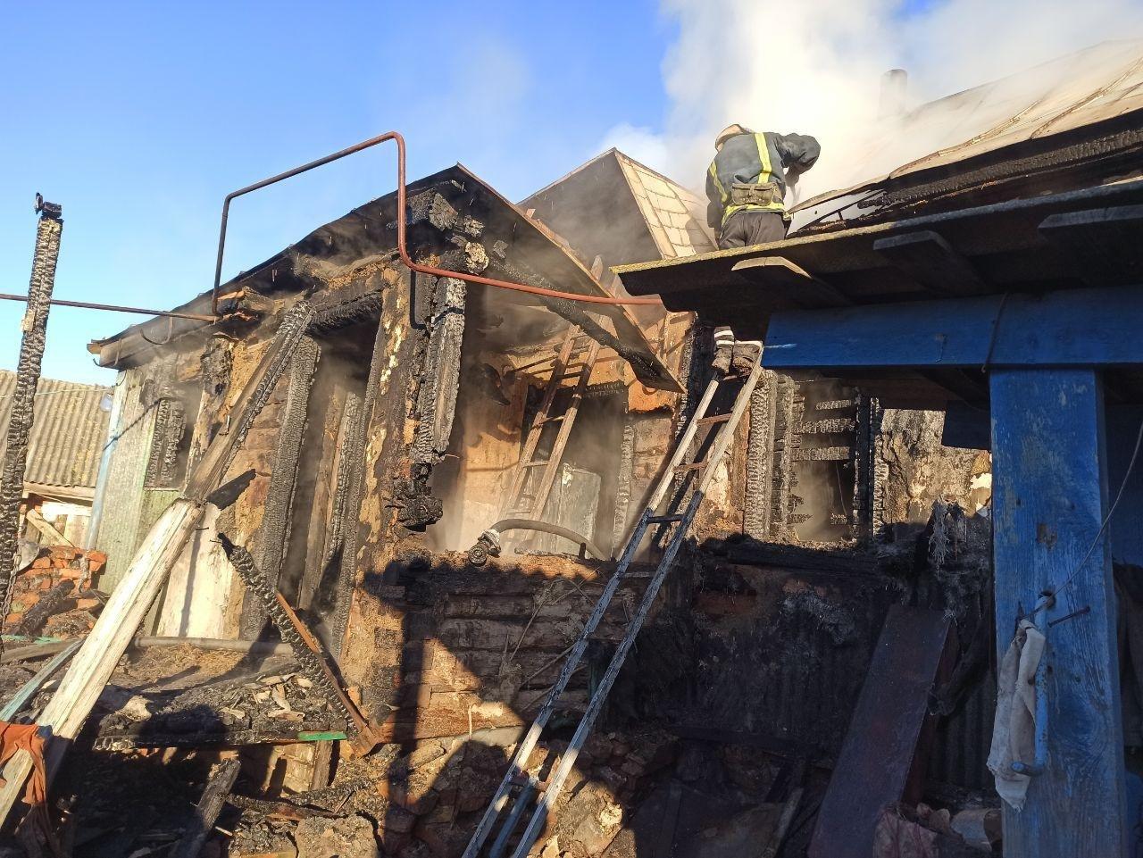 На Сумщині рятувальники ліквідували загоряння житлового будинку , фото-2