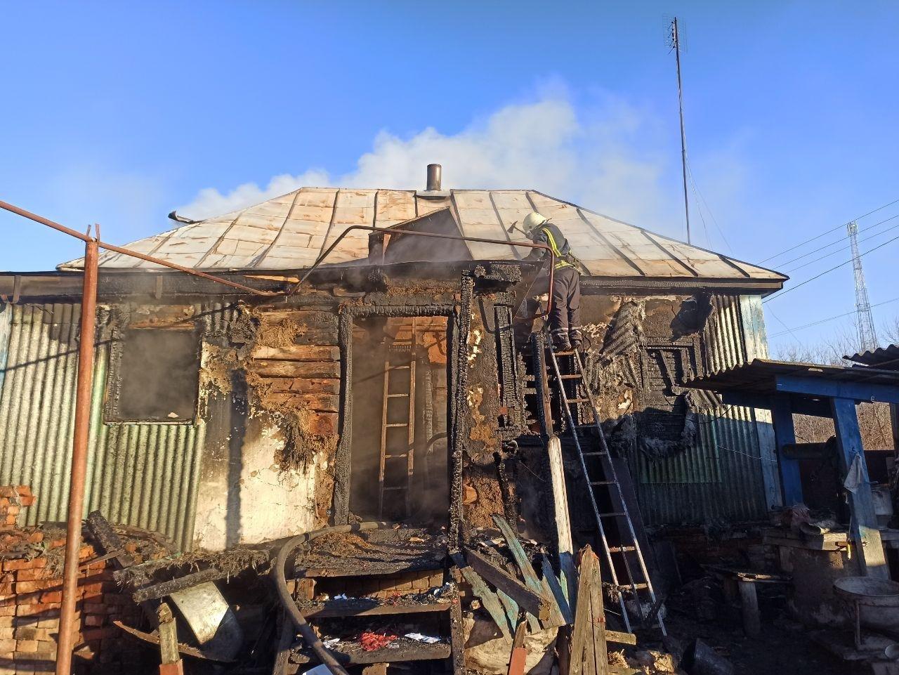На Сумщині рятувальники ліквідували загоряння житлового будинку , фото-3