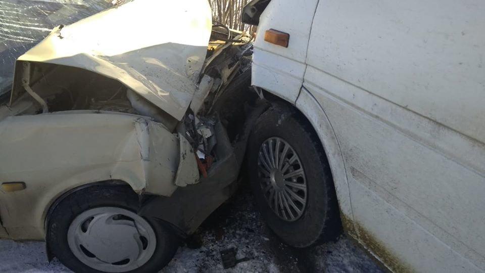 На Сумщині у ДТП травмувалися водій та двоє пасажирів, фото-1