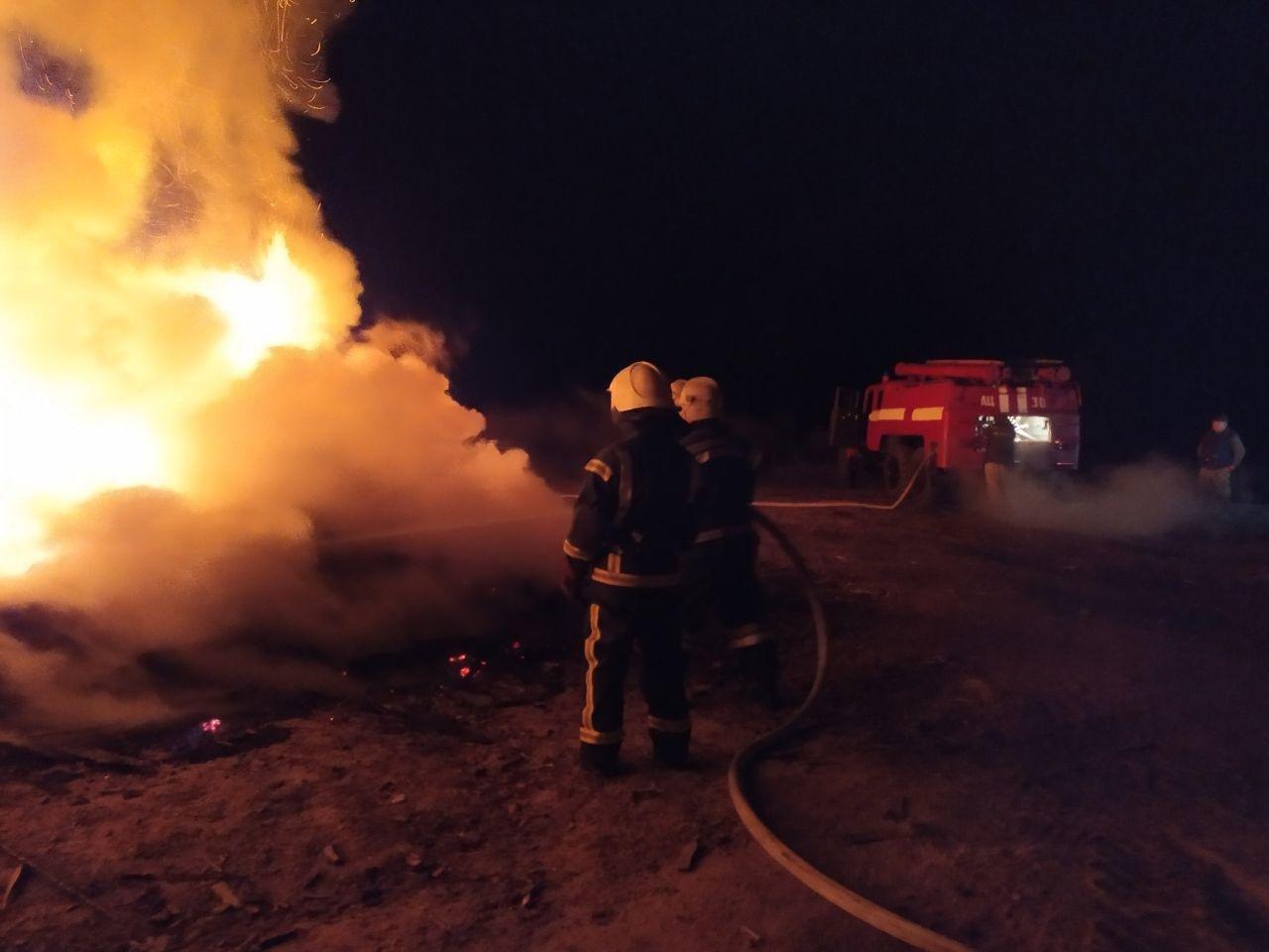 На Сумщині вогнеборці ліквідували загоряння господарчої споруди, фото-1