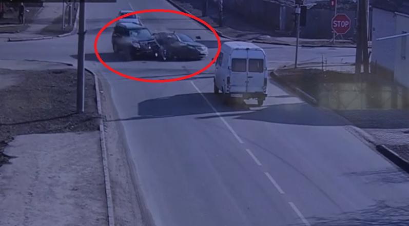 ДТП на Чорновола у Сумах сталася через те, що водійка проїхала на червоний, фото-1