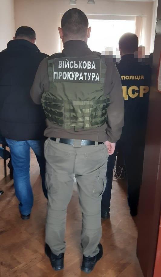 На Сумщині поліція затримала керівника державного підприємства на хабарі у 5 тисяч доларів США, фото-3