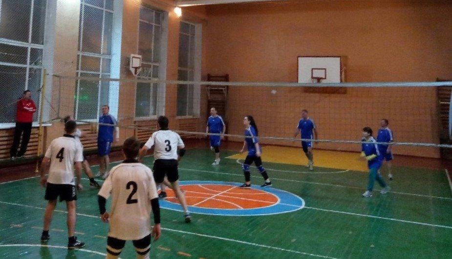 У Сумах визначили переможців змагань з волейболу серед команд працівників коледжів, фото-2