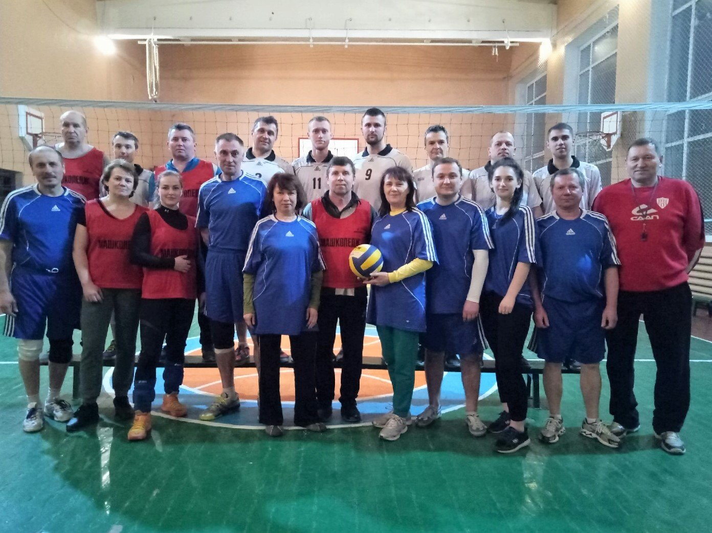 У Сумах визначили переможців змагань з волейболу серед команд працівників коледжів, фото-1