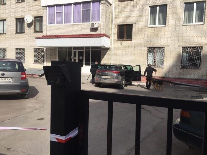 У автівці адвоката у Сумах шукали вибухівку, фото-2