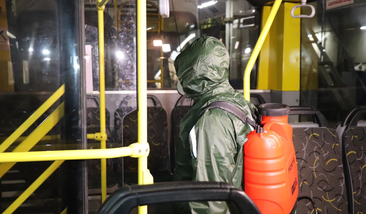 У Сумах дезінфікують комунальний громадський транспорт, фото-3