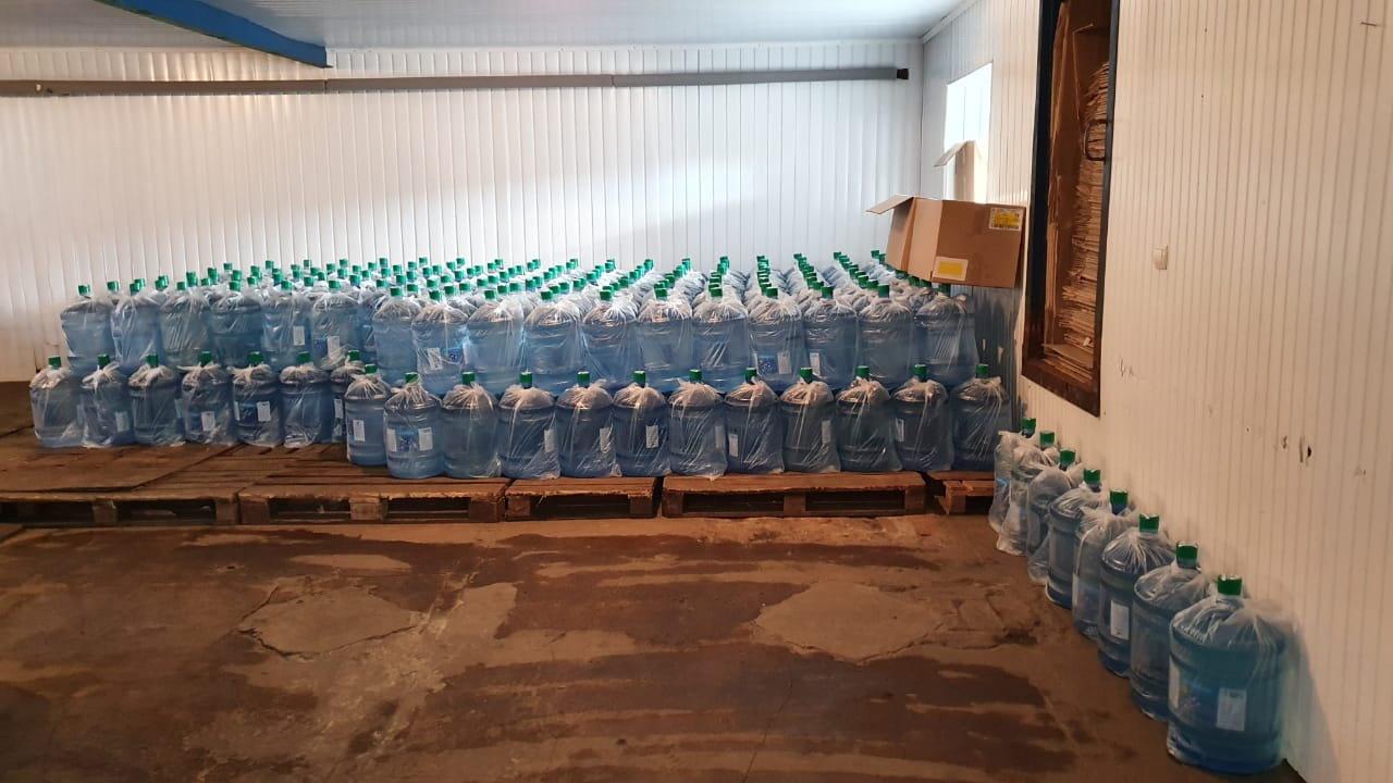 На Сумщині припинено діяльність підпільного заводу,  на якому вилучено близько 14 тис л питної води , фото-2