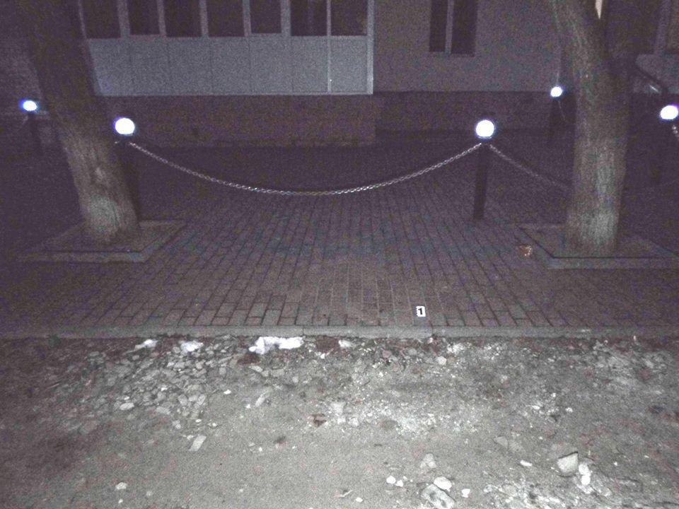 Поножовщина на Сумщині: поліція затримала чоловіка, який вдарив свого знайомого ножем у груди, фото-2
