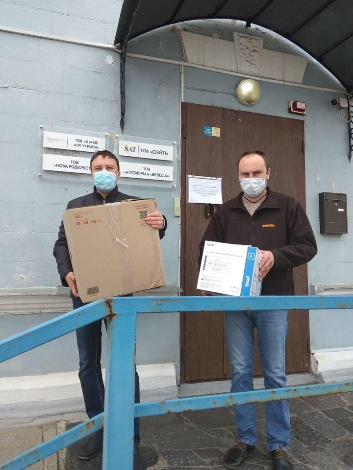 У Сумах штаб бізнесу продовжує допомагати із забезпеченням засобами індивідуального захисту, фото-1