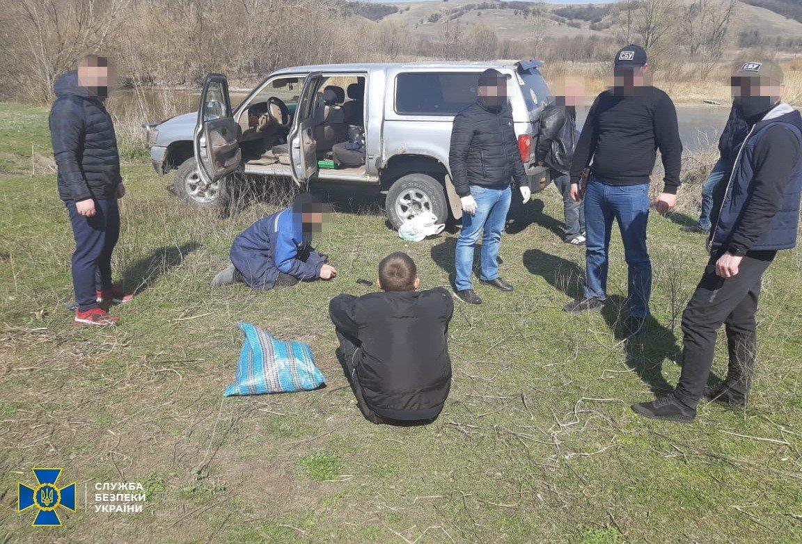 На Сумщині СБУ попередила незаконне переміщення до Росії військового обладнання, фото-1