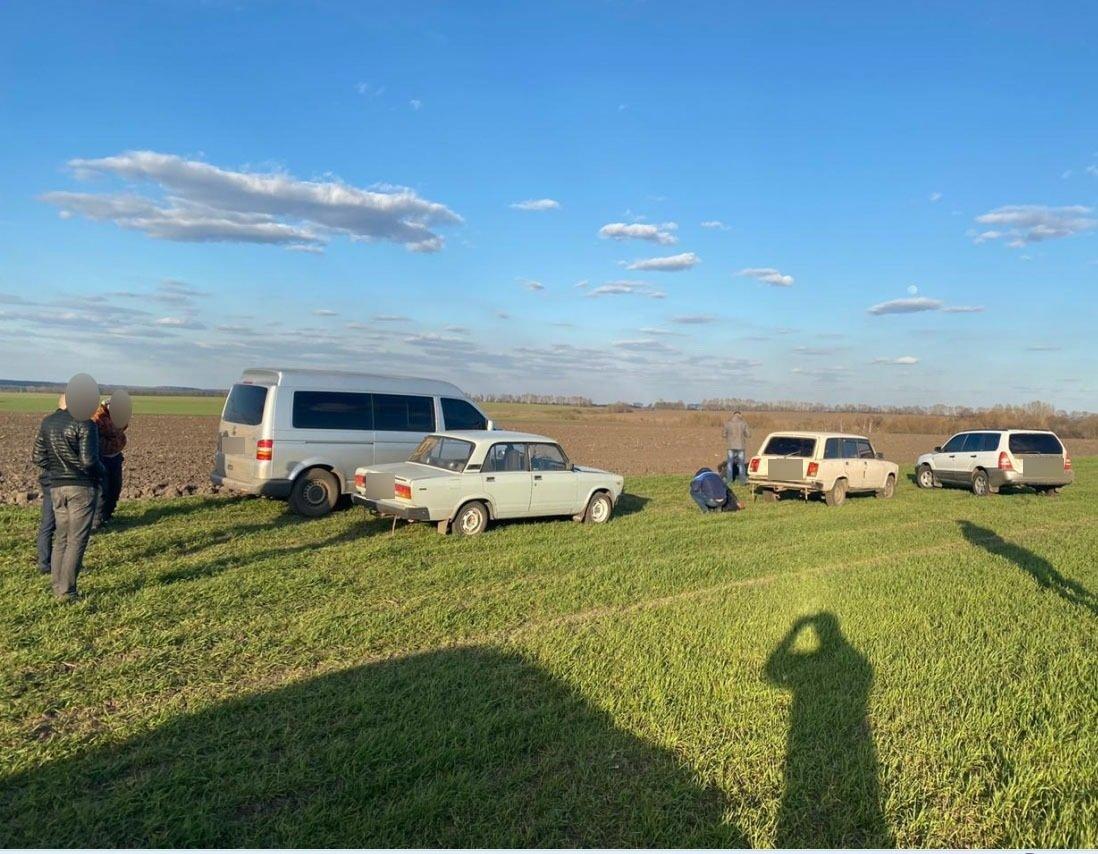 На Сумщині затримано двох чоловіків, які перевозили в багажнику авто труп, фото-7