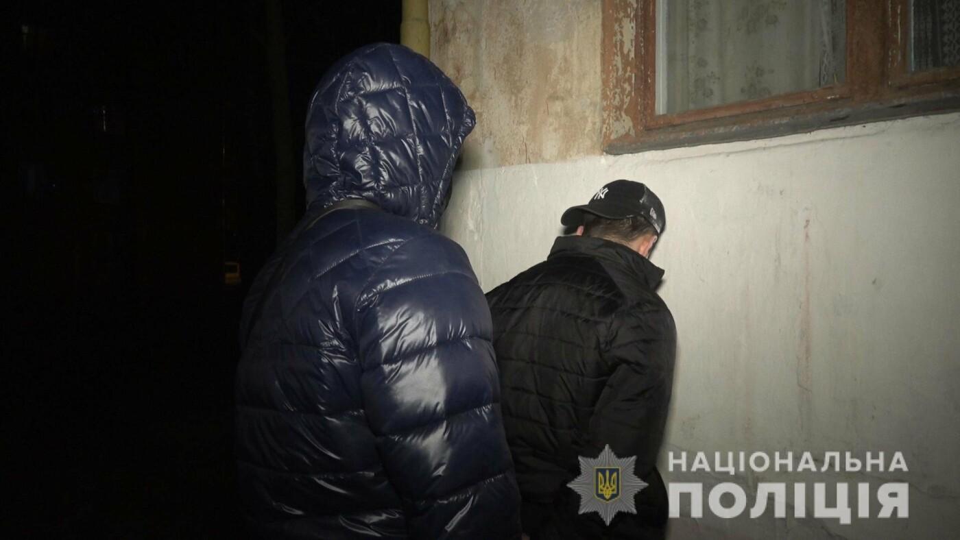 Чотирьох серійних квартирних крадіїв із Сум взято під варту , фото-1