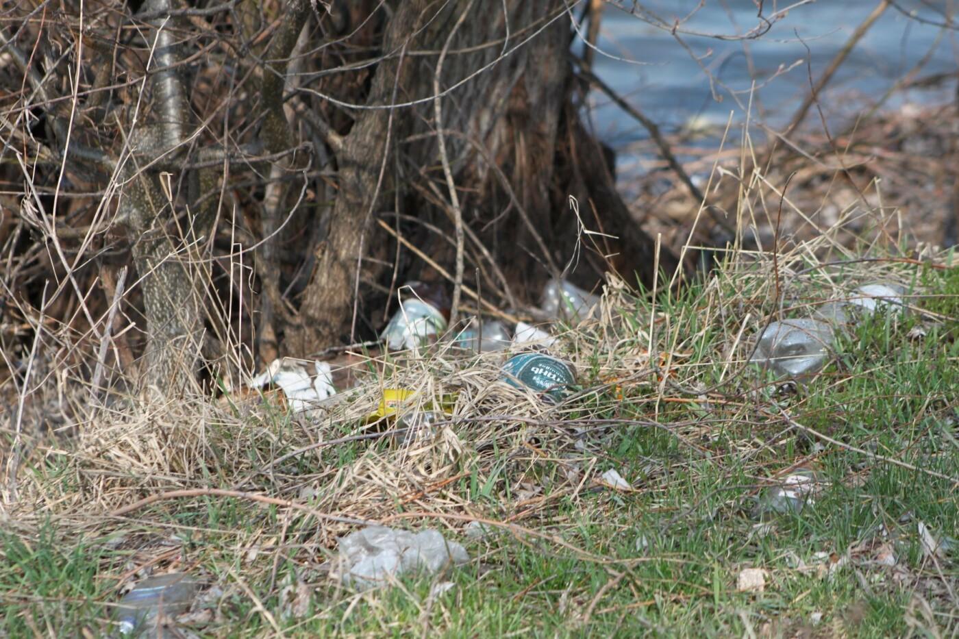 Карантин з користю: тато з донькою прибрали сміття під Сумами, фото-3