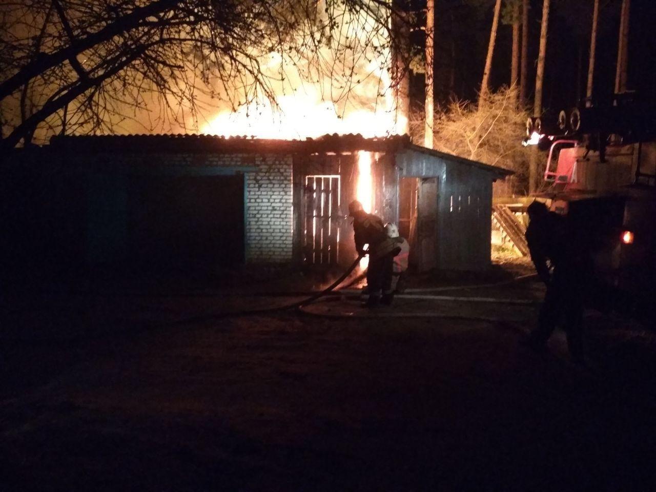 На Сумщині вогнеборці ліквідували масштабне загоряння в житловому секторі, фото-1