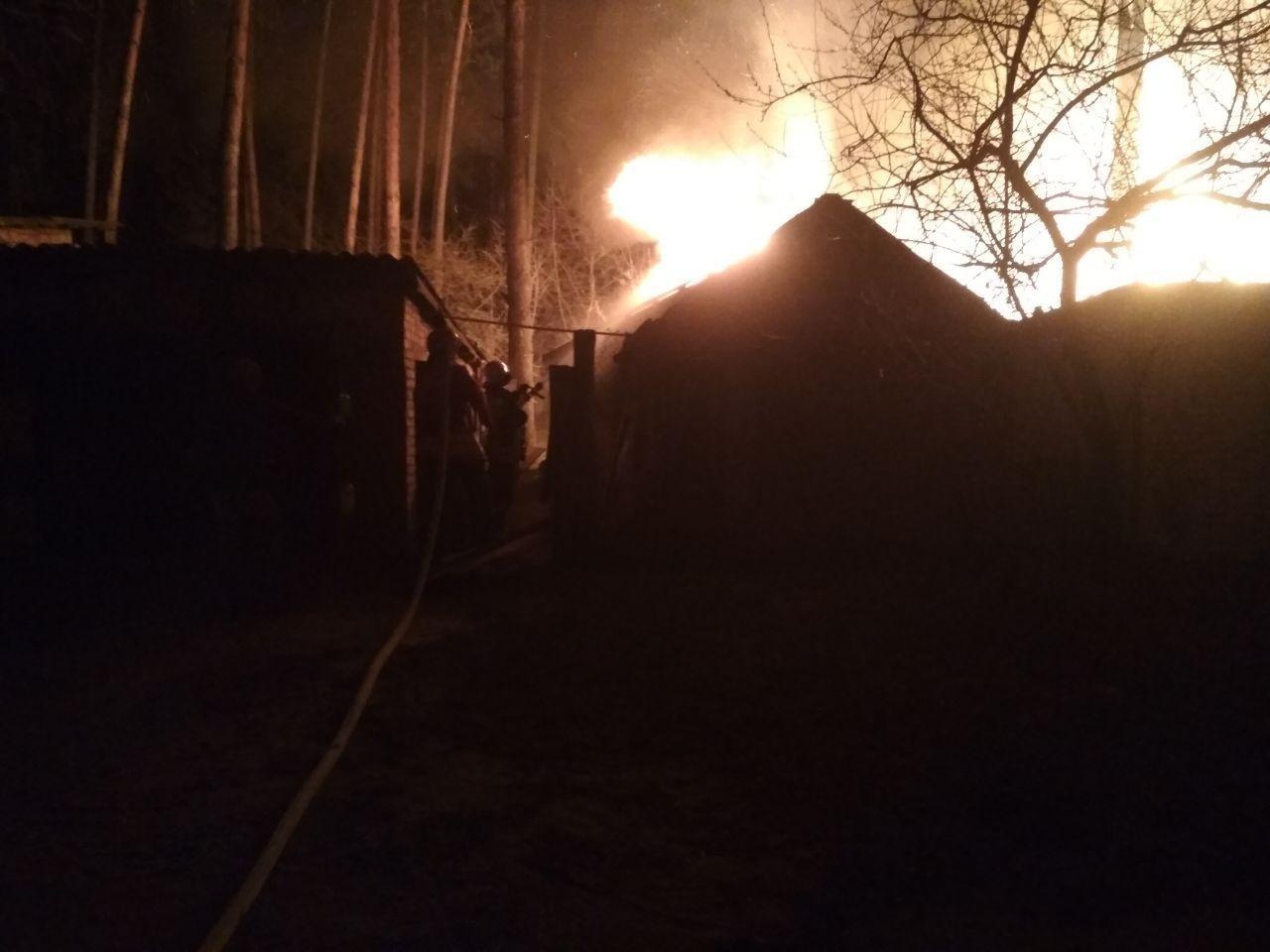 На Сумщині вогнеборці ліквідували масштабне загоряння в житловому секторі, фото-2