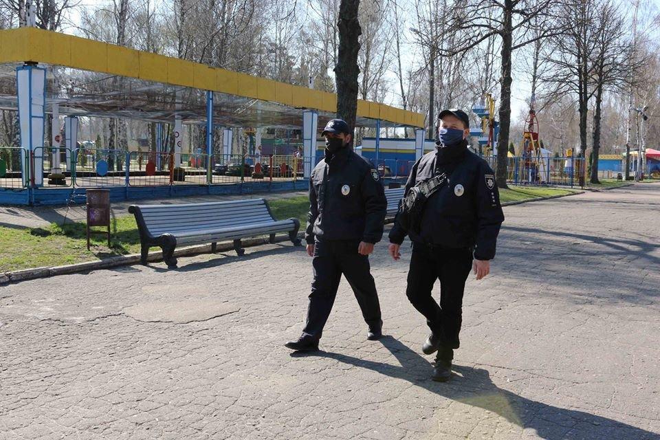 У Сумах поліція патрулює містом та виявляє порушників карантину, фото-4