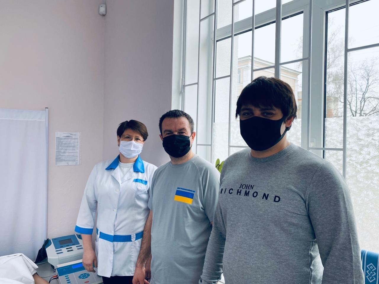 У Сумах в Центрі учасників бойових дій з'явився новий апарат для лікування хвороб методом електротерапії, фото-1