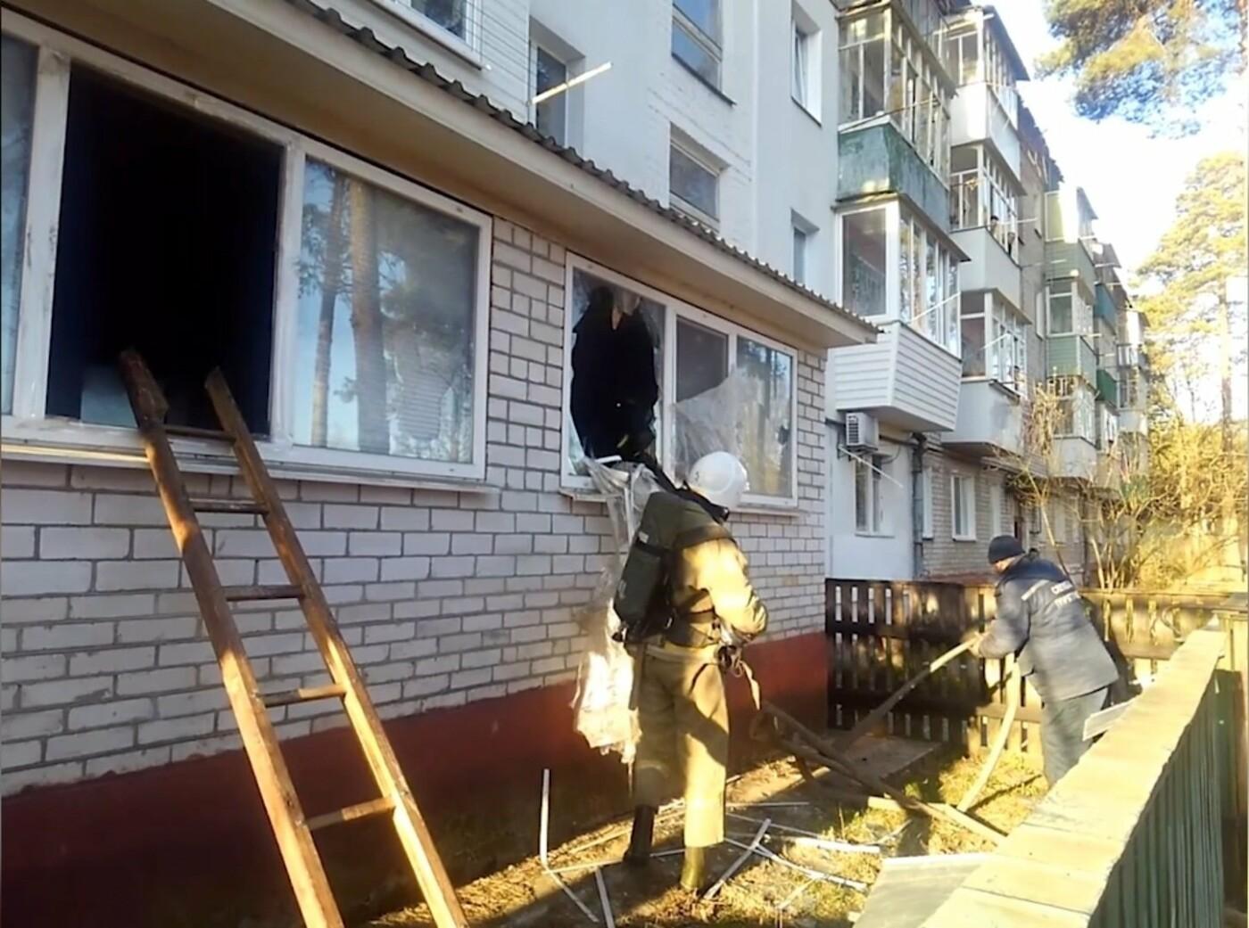 На Сумщині під час пожежі вогнеборці врятували 2 людей, 12 – евакуювали, фото-4