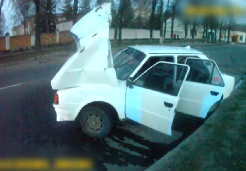 ДТП у Сумах: водій врізався у дерево, фото-2