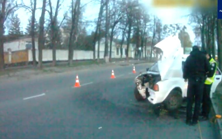 ДТП у Сумах: водій врізався у дерево, фото-3