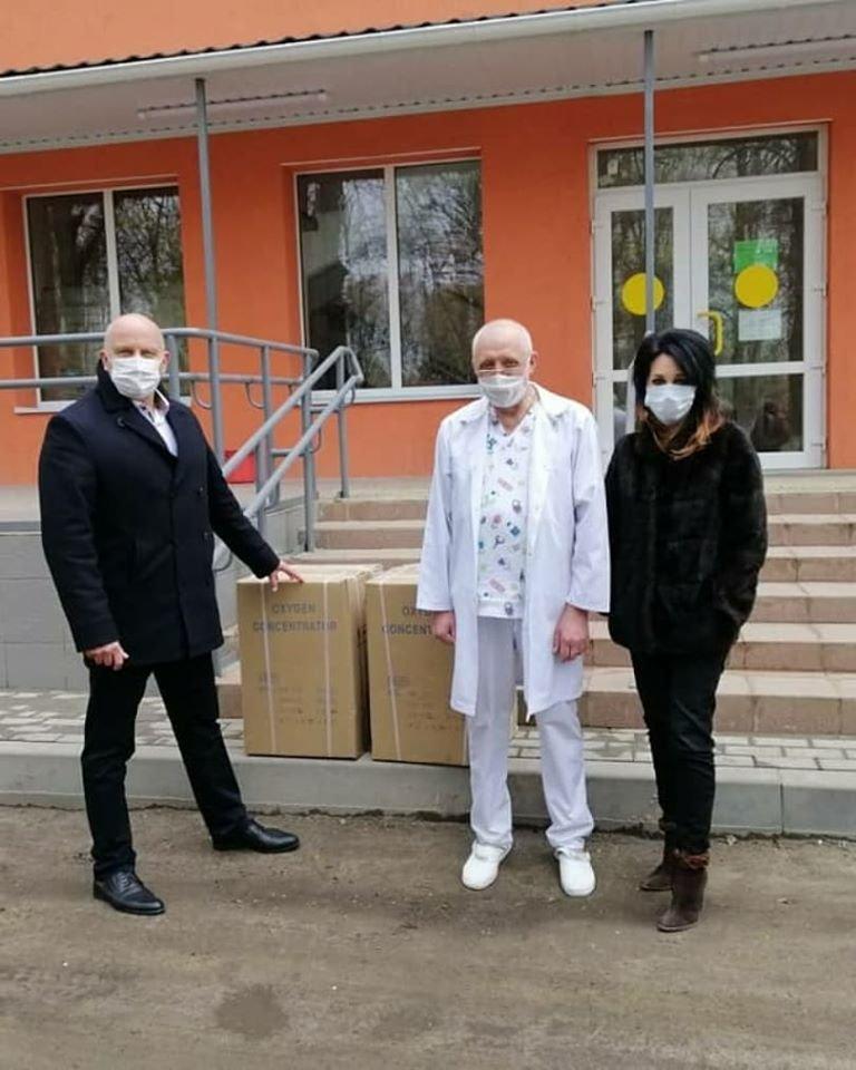 Штаб бізнесу у Сумах поставив до лікарень перші 5 кисневих концентраторів, фото-1