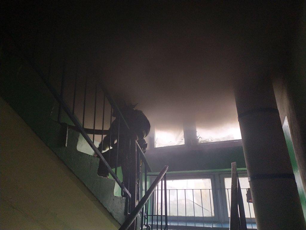На Сумщині під час пожежі вогнеборці врятували чоловіка , фото-3