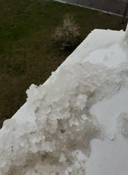 У Глухові випав сніг із градом, фото-2