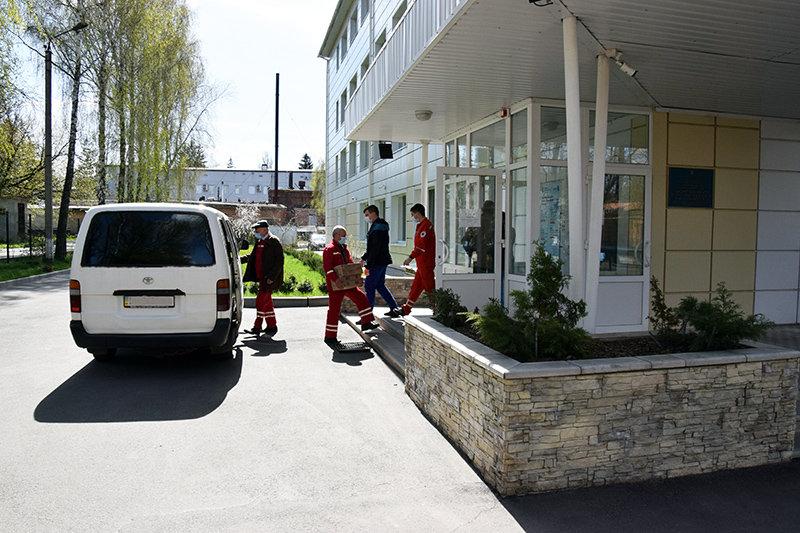 Лікарні Сумщини отримали від міжнародної компанії дезінфікуючі та мийні засоби, фото-2
