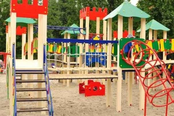 У Сумах цього тижня встановлять 12 дитячих майданчиків, фото-1