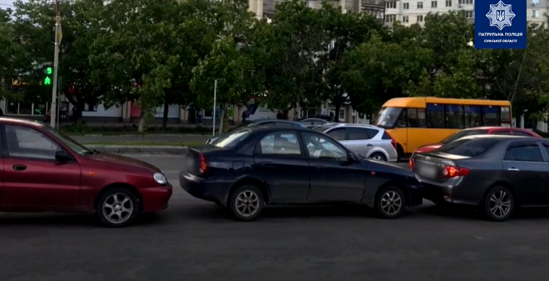 У Сумах на  Харківській три автомобілі потрапили в ДТП, фото-1